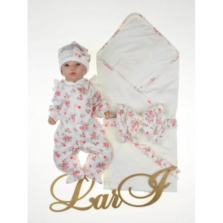 Летний комплект на выписку из роддома новорожденной девочке