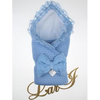 Демисезонный вязаный конверт-одеяло с кружевом Сказка Голубой в роддом на выписку новорожденного мальчика