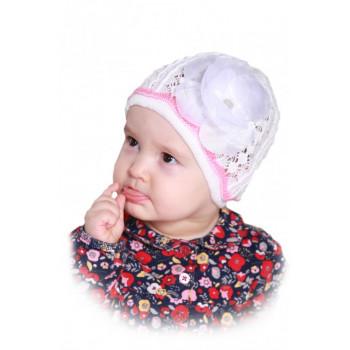 Молочная шапочка-сеточка с цветочком 50-52 размер для девочек