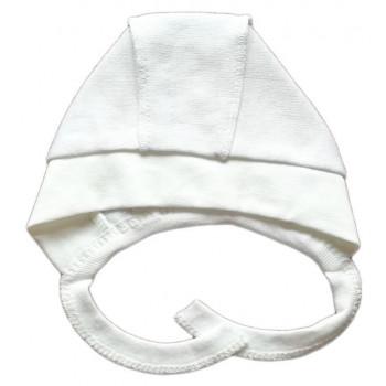 Белые велюровые чепчики на малышей