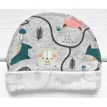 Тонкая шапочка в роддом Лисичка с наружным швом для новорожденного ребенка